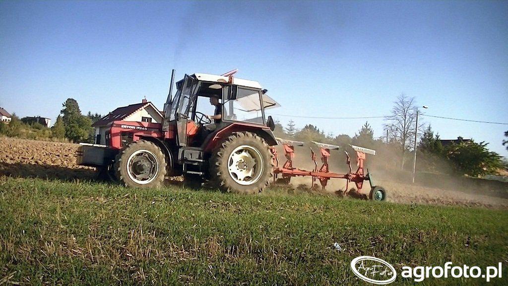ciągnik na 10 hektarów - Zetor 7245