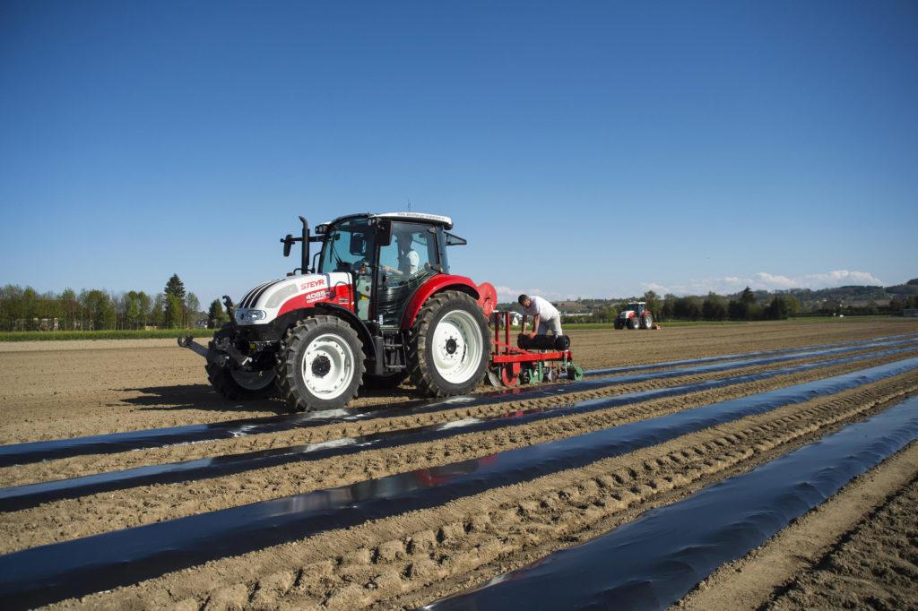 sprzedaż ciągników rolniczych Steyr 4085 Kompakt